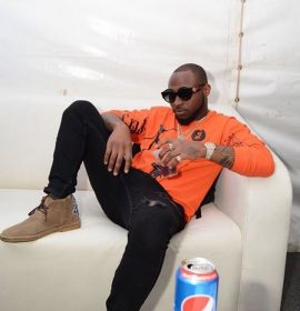 Davido Buys Rolex for his 30Billion Tour gang to celebrate Birthday